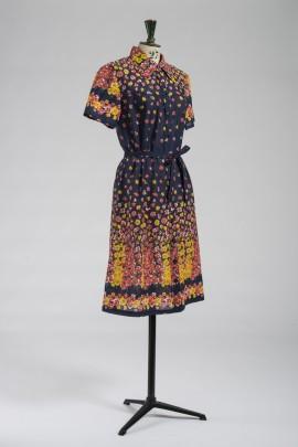 237-robe-1970-2