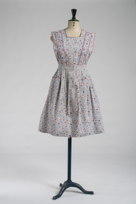 255-robe-tablier-1945-1