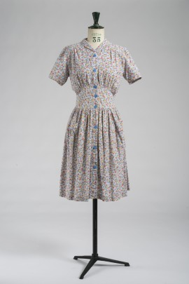 235-robe-tablier-1940-1
