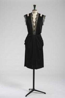 245-robe-dentelle-1