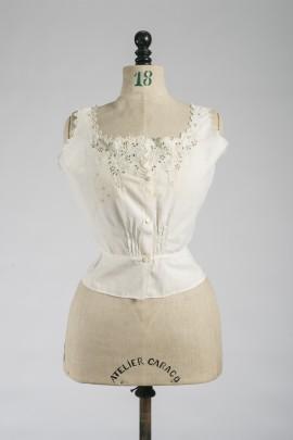 247-cache-corset-fin-XIXe-1