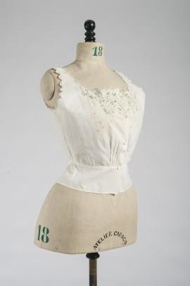 247-cache-corset-fin-XIXe-2