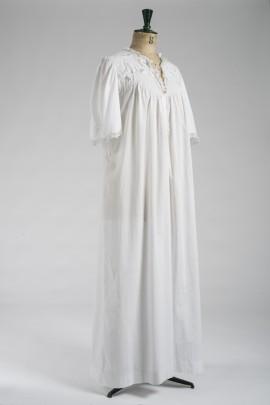 264-chemise-de-nuit-1900-1